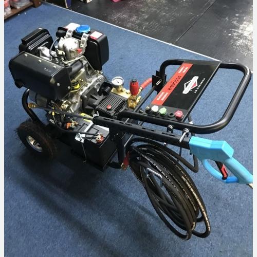 KOKENT HIGH PRESSURE CLEANER C/W FIELO DIESEL ENGINE